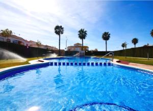 Продажа бунгало в провинции Costa Blanca South, Испания: 2 спальни, 55 м2, № RV0225SG – фото 2