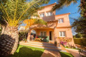 Продажа виллы в провинции Costa Blanca South, Испания: 3 спальни, 120 м2, № RV1441SHL – фото 2