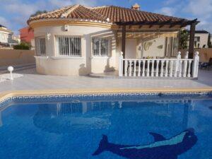 Продажа виллы в провинции Costa Blanca South, Испания: 3 спальни, 150 м2, № RV5543VG-D – фото 1