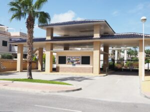 Продажа полу-квартирный дом в провинции Costa Blanca South, Испания: 2 спальни, 80 м2, № RV0046GL – фото 1