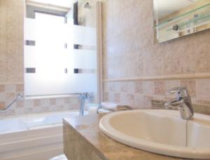 Продажа квартиры в провинции Costa Blanca North, Испания: 2 спальни, 65 м2, № RV7776QI – фото 12