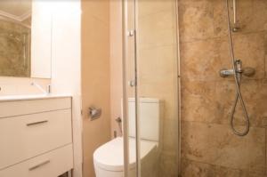 Продажа квартиры в провинции Costa Blanca South, Испания: 2 спальни, 55 м2, № RV5544GH – фото 12