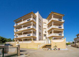 Продажа квартиры в провинции Costa Blanca South, Испания: 2 спальни, 90 м2, № RV1123UR – фото 4