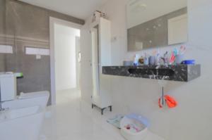 Продажа виллы в провинции Costa Blanca South, Испания: 4 спальни, 175 м2, № RV2221IN – фото 17