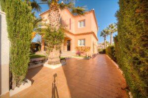 Продажа виллы в провинции Costa Blanca South, Испания: 3 спальни, 120 м2, № RV1441SHL – фото 3
