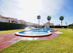 Продажа бунгало в провинции Costa Blanca South, Испания: 2 спальни, 55 м2, № RV0225SG – фото 3
