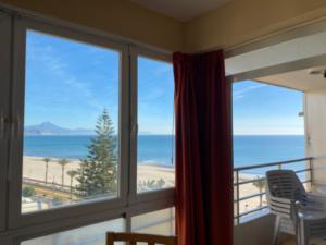 Продажа квартиры в провинции Costa Blanca North, Испания: 2 спальни, 60 м2, № RV6789QI – фото 2
