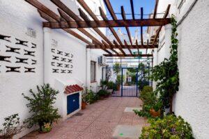 Продажа виллы в провинции Costa Blanca South, Испания: 3 спальни, 67 м2, № RV0535CM – фото 7