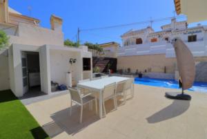 Продажа виллы в провинции Costa Blanca South, Испания: 4 спальни, 175 м2, № RV2221IN – фото 23
