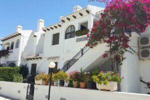 Продажа квартиры в провинции Costa Blanca South, Испания: 2 спальни, 67 м2, № RV0008SR – фото 3