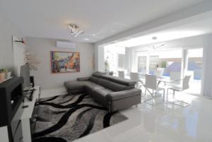 Продажа виллы в провинции Costa Blanca South, Испания: 4 спальни, 175 м2, № RV2221IN – фото 3