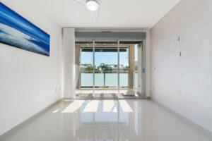 Продажа квартиры в провинции Costa Blanca South, Испания: 2 спальни, 63 м2, № RV2314BE – фото 3
