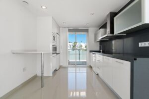Продажа квартиры в провинции Costa Blanca South, Испания: 2 спальни, 63 м2, № RV2314BE – фото 7