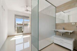 Продажа квартиры в провинции Costa Blanca South, Испания: 2 спальни, 63 м2, № RV2314BE – фото 12