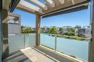 Продажа квартиры в провинции Costa Blanca South, Испания: 2 спальни, 63 м2, № RV2314BE – фото 1
