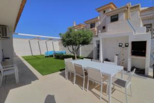 Продажа виллы в провинции Costa Blanca South, Испания: 4 спальни, 175 м2, № RV2221IN – фото 35