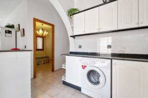 Продажа виллы в провинции Costa Blanca South, Испания: 5 спален, 140 м2, № RV0552BN – фото 7