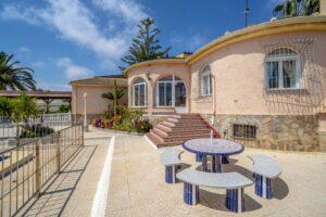 Продажа виллы в провинции Costa Blanca South, Испания: 5 спален, 140 м2, № RV0552BN – фото 22