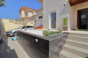 Продажа виллы в провинции Costa Blanca South, Испания: 4 спальни, 175 м2, № RV2221IN – фото 36