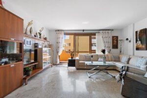 Продажа квартиры в провинции Costa Blanca South, Испания: 2 спальни, 85 м2, № RV2381BE – фото 1