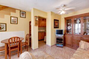 Продажа бунгало в провинции Costa Blanca South, Испания: 3 спальни, 44 м2, № RV5432CM-D – фото 2