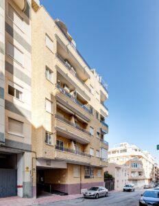 Продажа квартиры в провинции Costa Blanca South, Испания: 2 спальни, 64 м2, № RV0351CM – фото 1
