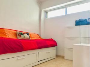 Продажа квартиры в провинции Costa Blanca North, Испания: 2 спальни, 40 м2, № RV5551QI – фото 7