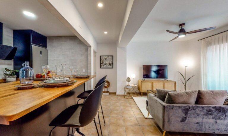 RV1298QU : Отремонтированная квартира в центре Аликанте с туристической лицензией