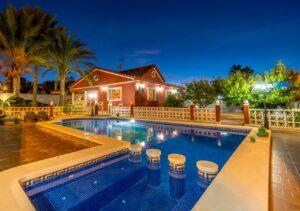 Продажа виллы в провинции Costa Blanca South, Испания: 4 спальни, 200 м2, № RV1805SH – фото 19