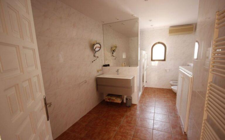 RV2762AL : Одноэтажная вилла в Каррио Альто (Кальпэ)