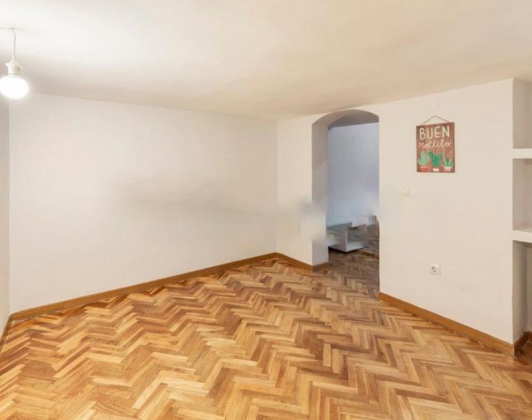 RV0025MV : Великолепная квартира в районе Huertas-Cortes, Мадрид