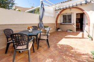 Продажа бунгало в провинции Costa Blanca South, Испания: 1 спальня, 43 м2, № RV2532CM – фото 1