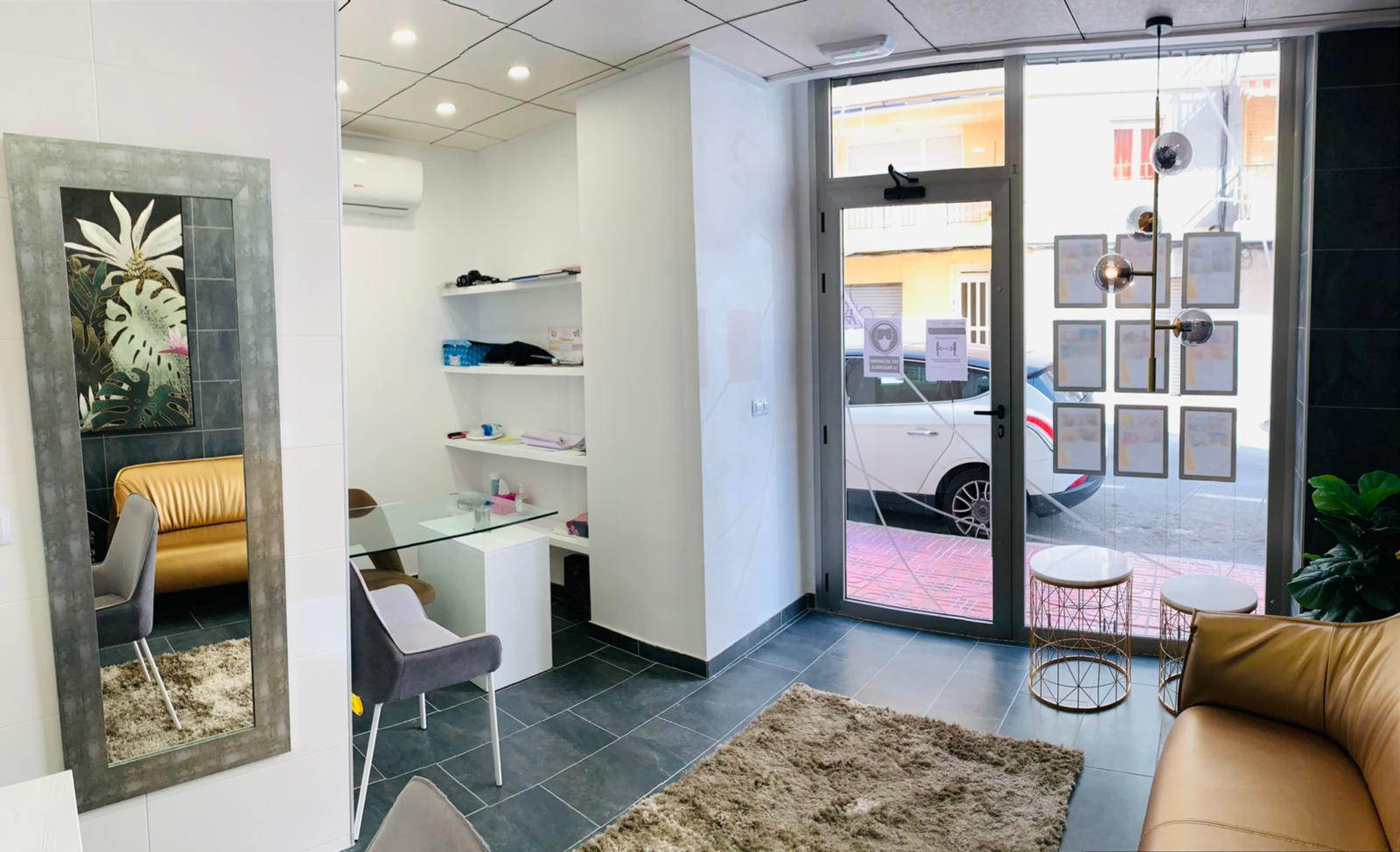 RV3344GL : Коммерческая недвижимость в центре города