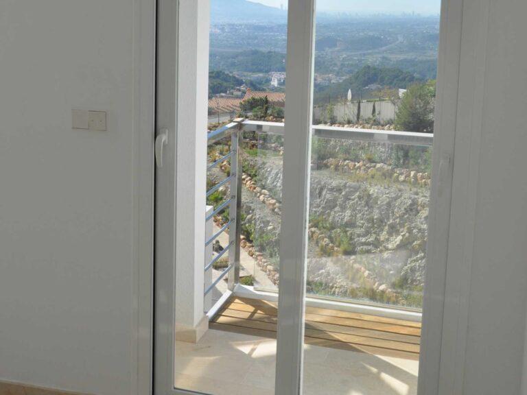 NC2683AL : Красивая дизайнерская вилла в Альтее