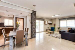 Продажа квартиры в провинции Costa Blanca South, Испания: 79 м2, № RV2572GL – фото 1