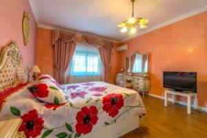 Продажа виллы в провинции Costa Blanca South, Испания: 4 спальни, 200 м2, № RV1805SH – фото 5