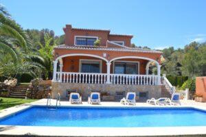 Продажа виллы в провинции Costa Blanca North, Испания: 5 спален, 400 м2, № GT-2301-TS – фото 1