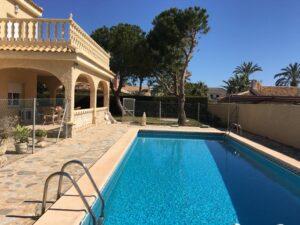 Продажа виллы в провинции Costa Blanca South, Испания: 4 спальни, 245 м2, № RV2704VG – фото 1