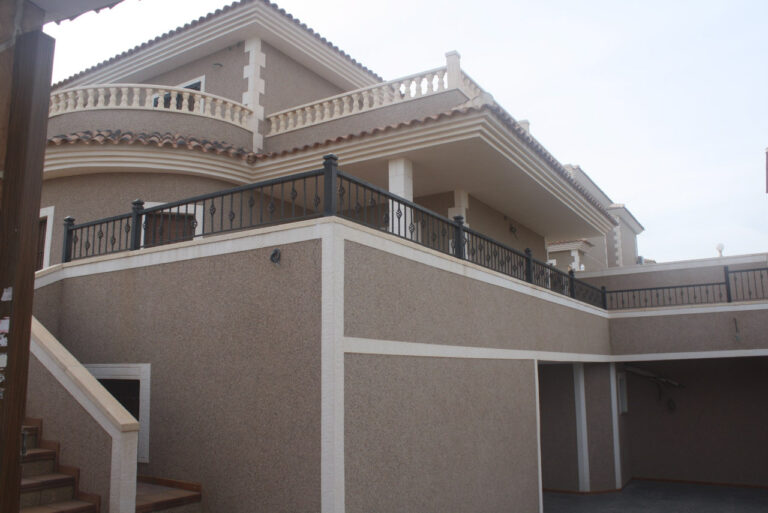 NC2463CE : Превосходная вилла в Лос-Балконес (Торревьеха)