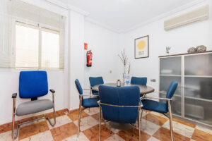 Продажа бунгало в провинции Costa Blanca South, Испания: 2 спальни, № RV4623SU – фото 2