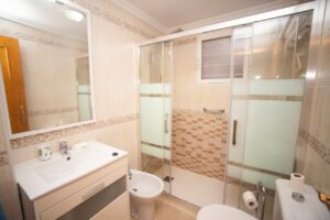 Продажа квартиры в провинции Costa Blanca South, Испания: 2 спальни, 58 м2, № RV3124GL – фото 3