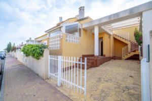 Продажа бунгало в провинции Costa Blanca South, Испания: 3 спальни, 84 м2, № RV3265UR – фото 27