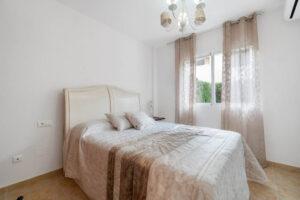 Продажа бунгало в провинции Costa Blanca South, Испания: 3 спальни, 84 м2, № RV3265UR – фото 7