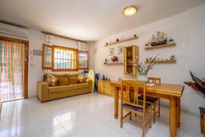 Продажа квартиры в провинции Costa Blanca South, Испания: 2 спальни, 51 м2, № RV3279UR – фото 1