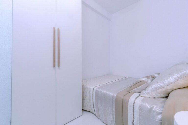 RV3278UR : Недавно отремонтированная квартира с видом на море в Торревьехе