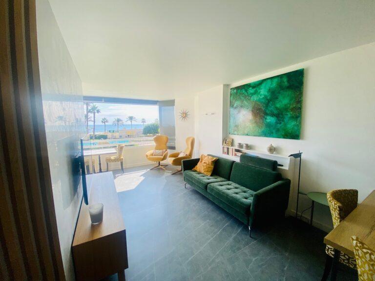 RV3474GT : Фантастическая квартира на первой линии пляжа в Аликанте
