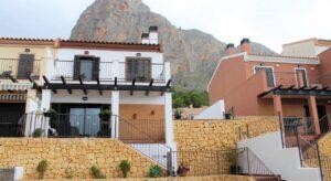 Продажа таунхаус в провинции Costa Blanca North, Испания: 2 спальни, 104 м2, № RV5335AM – фото 1