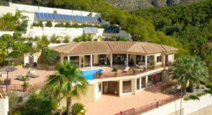 Продажа виллы в провинции Costa Blanca North, Испания: 6 спален, 950 м2, № RV2616GT – фото 1