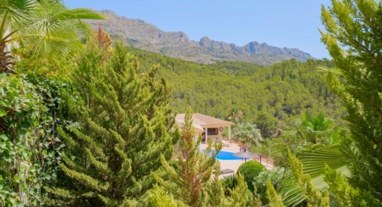 RV2616GT : Роскошная вилла с видом на море в Альтее