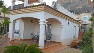 Продажа виллы в провинции Costa Blanca North, Испания: 2 спальни, 127 м2, № RV1112GL – фото 1